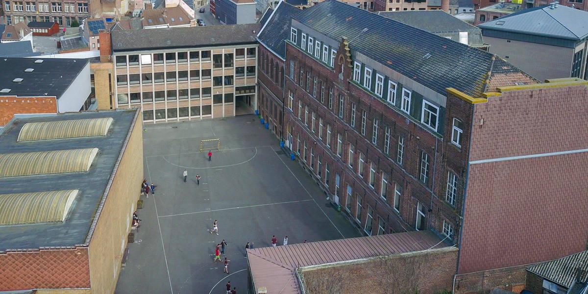 Collège Saint-Julien Ath vue de la cour